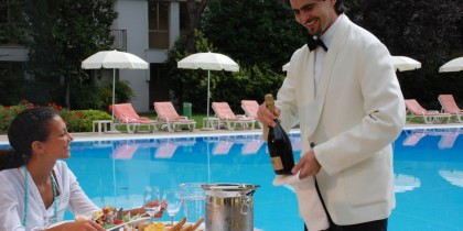 15  ErmitageBelAir-pool brunch