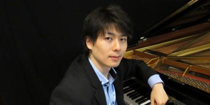 Kotaro_Fukuma,_piano_0