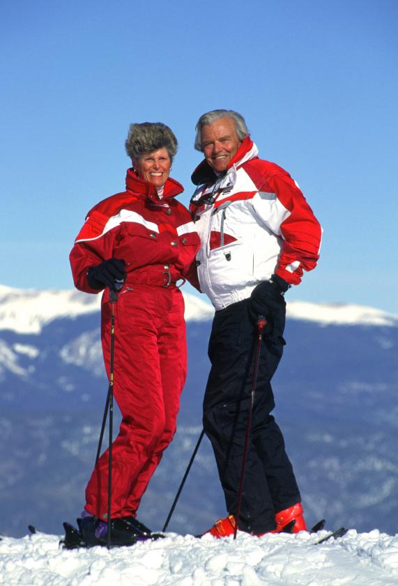 coppia senior e neve
