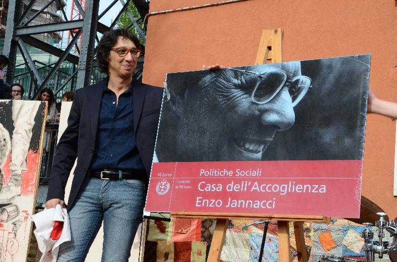 L'inaugurazione della Casa dell'Accoglienza dedicata a Enzo Jannacci. Nella foto, il figlio, Paolo Jannacci